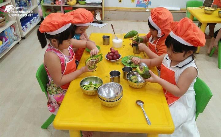Giáo dục kỹ năng sống cho trẻ mầm non như thế nào tốt?