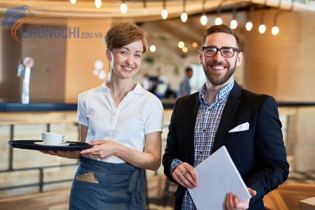 học chứng chỉ nghiệp vụ quản lý nhà hàng khách sạn ngắn hạn tphcm